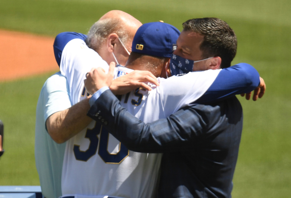 Alexander: Dodgers' rings distributed, now it's down to business