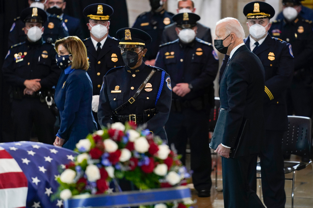 Biden, lawmakers pay tribute to Capitol Police officer