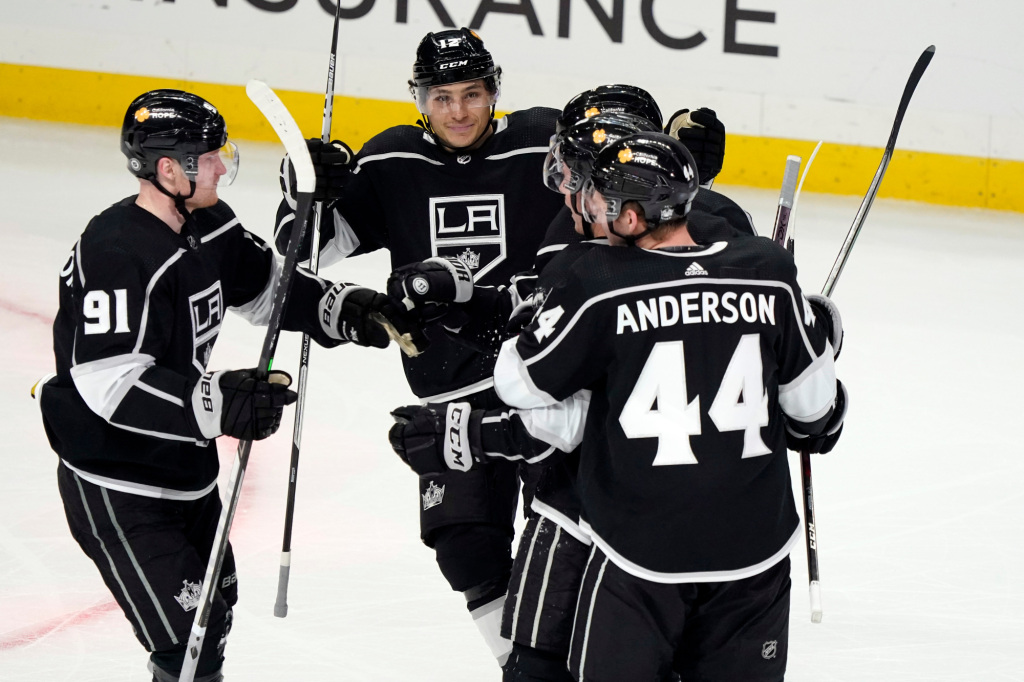Carl Grundstrom's goal caps Kings' rally to beat Coyotes