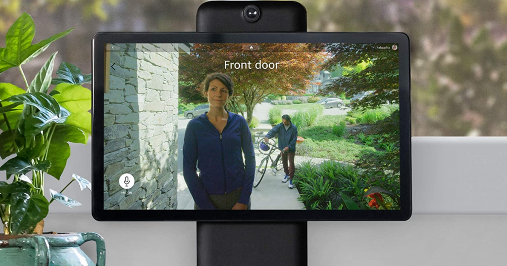 Facebook Portal's camera moves with you for next-level video calling