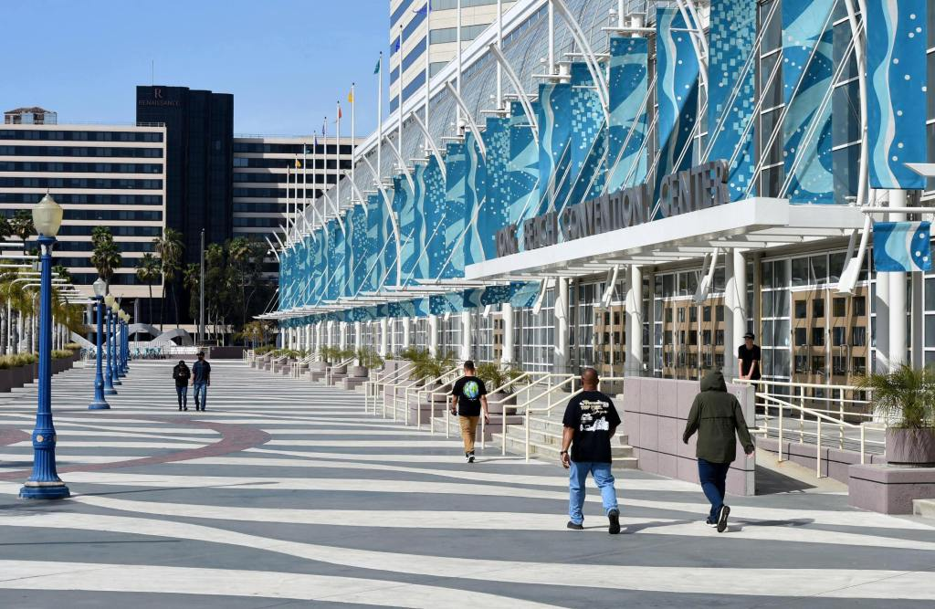 Long Beach gives feds the OK to temporarily house 1,000 migrant children in Convention Center
