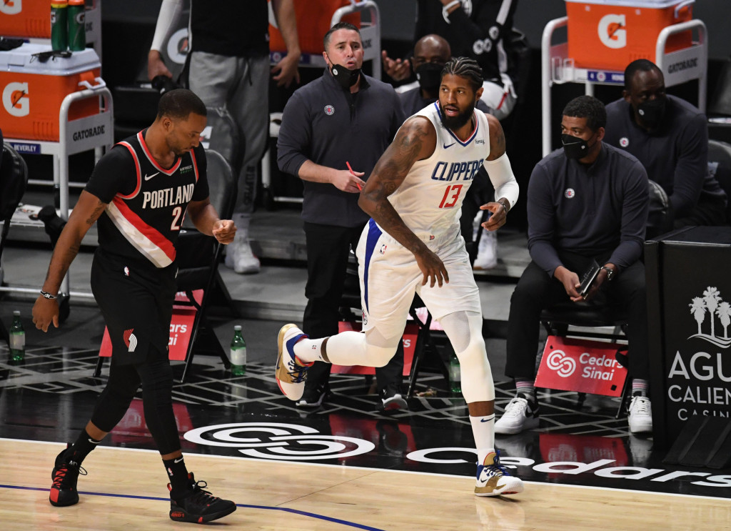 Paul George, Clippers start fast to rout Blazers