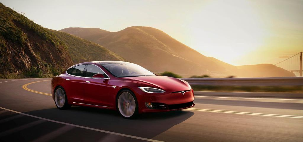 Tesla with 'no one' driving crashes in Texas, killing two