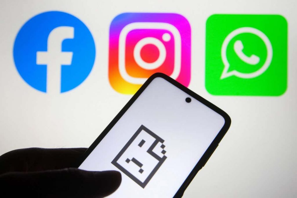 Facebook, WhatsApp and Instagram back online after global outage